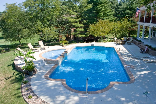 Vinyl Liner Pool With Raised Trilogy Tanning Ledge