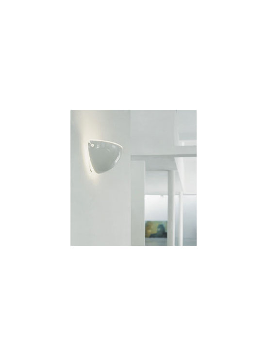 Quarto Wall Lamp \ Sconce By Flos Lighting - Quarto from Flos is a wall scone that has been around for over 30 years.