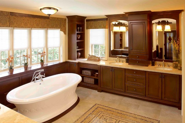 Regina Sturrock Design Inc. traditional-bathroom
