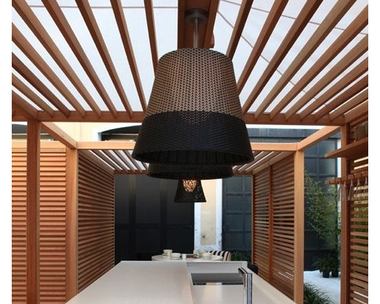 Romeo Outdoor C3 Pendant Lamp By Flos Lighting - The Romeo Outdoor C3 ceiling lamp from Flos is an outdoor pendant lamp that use providing direct and diffused light.