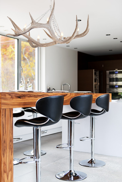 Modular Home in the Laurentians - IME Habitat contemporary-living-room-chairs