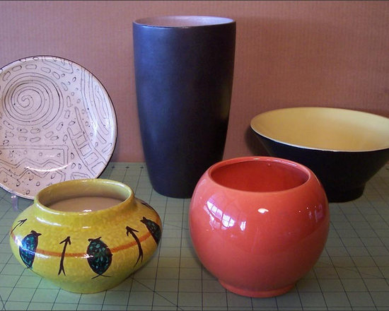 Fleur-de-Lis Flea Find ~ Modern Vases and Bowls - Mid-Century Modern Ceramic and Porcelain  Bowls and Vase with a newer Plate which Has me Thinking of the Artists Miro and Klee.