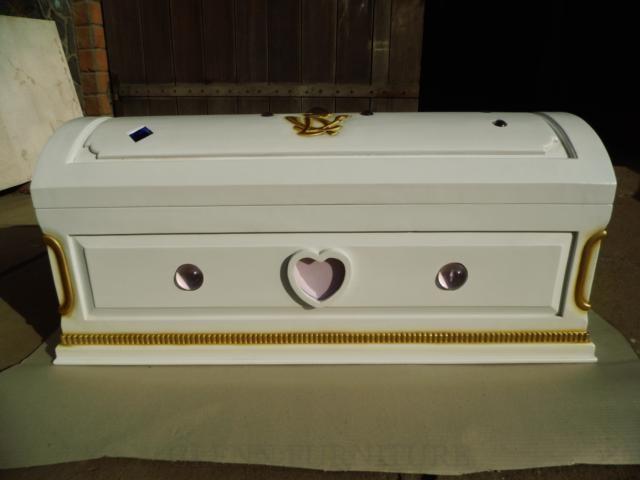 Cinderella Bed traditional