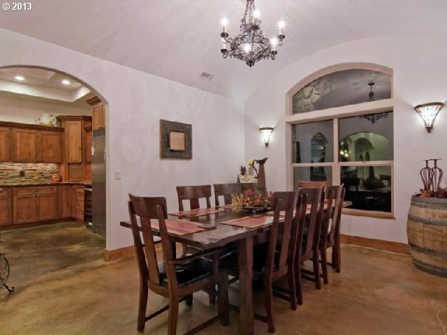 Fletcher mediterranean-dining-room