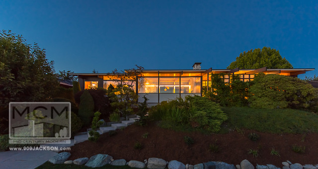 New westminster mid century modern house for sale 909 for Modern architecture homes for sale
