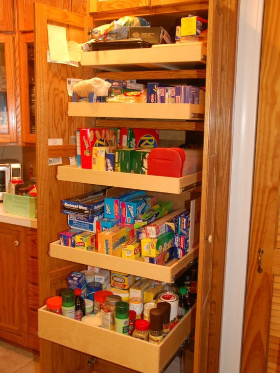Mary Lee A's Jeffersontown, KY Installation - Pantry organization is a natural when you have custom made pull out shelves that fully extend, allowing you to see and reach items from the front of the shelf to the back.  ShelfGenie of Kentucky custom makes each shelf to fit your existing cabinets and closets.