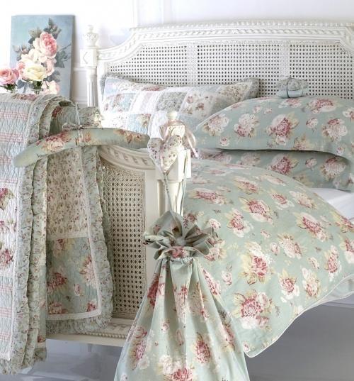 Elisha Duck Egg Blue Quilt traditional-kids-bedding