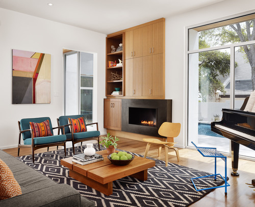 A rug with a geometric pattern in a contemporary living room
