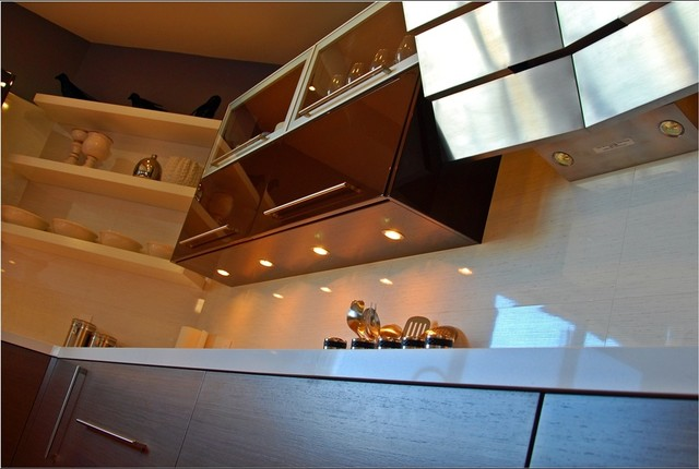 SF Upper height Lacquer and veneer contemporary-kitchen