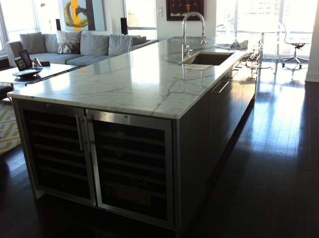 Countertops contemporary-kitchen-islands-and-kitchen-carts