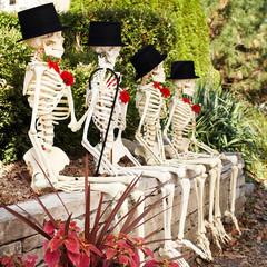 Eerie Outdoor Halloween Decorations
