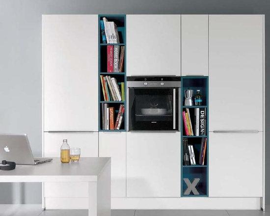 White Laqeur kitchen -