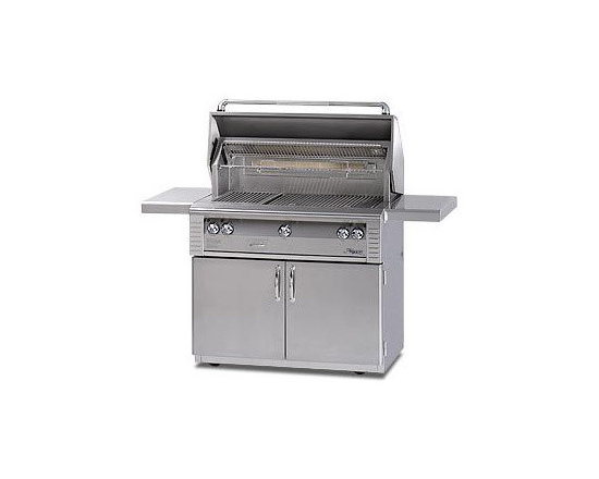 Alfresco 42'' Grill On Refrigerated Cart Stainless Liquid Propane | ALX242RFG-LP - Three high-temp stainless steel main burners producing 82,500 BTUs. Optional Sear Zone with 27,500 BTU ceramic infrared burner.