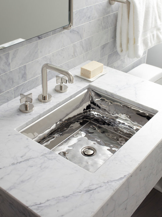 Bacifiore by Mick De Giulio - Mick De Giulio sinks are built to last, fabricated with 16-gauge stainless steel for long term durability that adds style and functionality to any home.