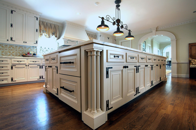 Kitchen Cabinetry traditional-kitchen