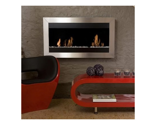 Square Large II - This modern bio-ethanol wall-mounted fireplace requires no flue, no electricity and emits no smoke.