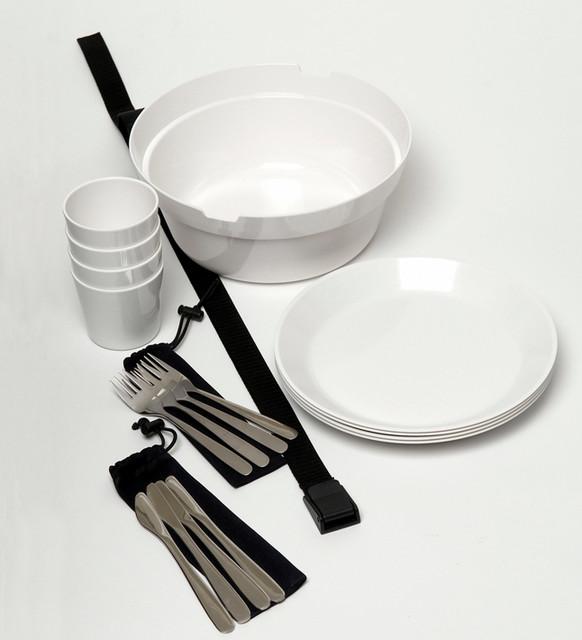 Picnic Set by Carina Ahlburg modern-dinnerware