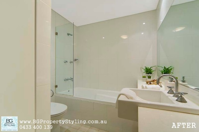 Style for Sale: Modern 2-Bedroom Apartment contemporary-bathroom