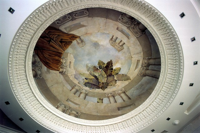 Painted murals and trompe l'oeil traditional