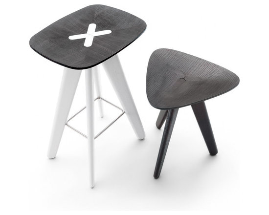 Poliform Ics-Ipsilon chairs - A well-defined style with high degree of originality.