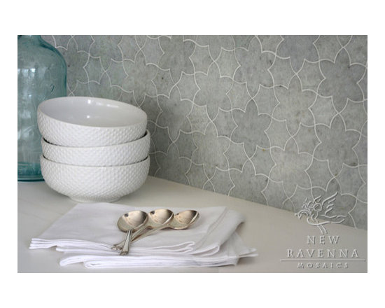 Stone Mosaic - Cadiz mosaic lends a soft textural pattern to any wall or floor application.