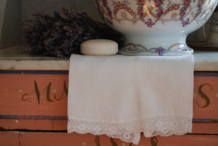 Coco Linen Guest Towels traditional-towels