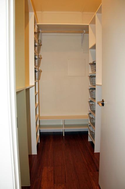 Modern Craftsman home craftsman-closet