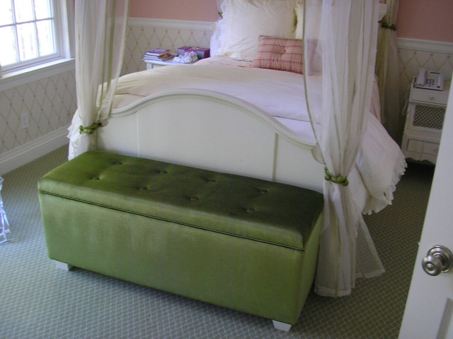 Green Velvet Storage Bench1