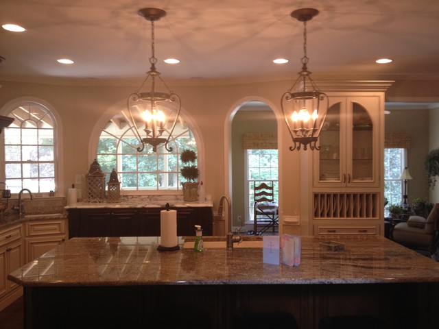 Traditional traditional-kitchen
