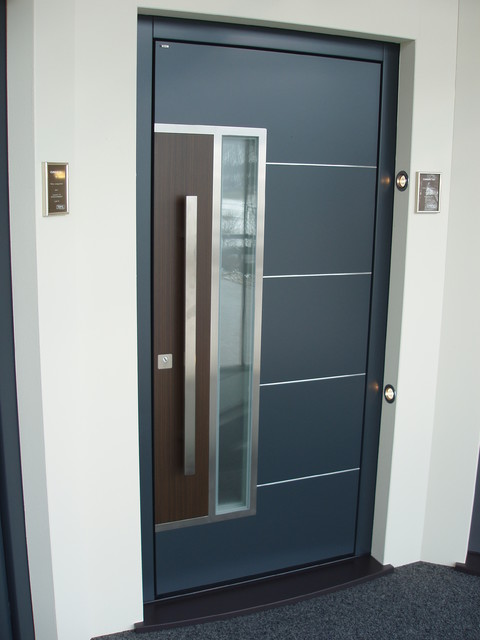 Distinctive front doors on display modern front doors for Designs for main door of flat