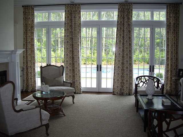 Hampton 39 s home traditional living room new york by for Hamptons style window treatments