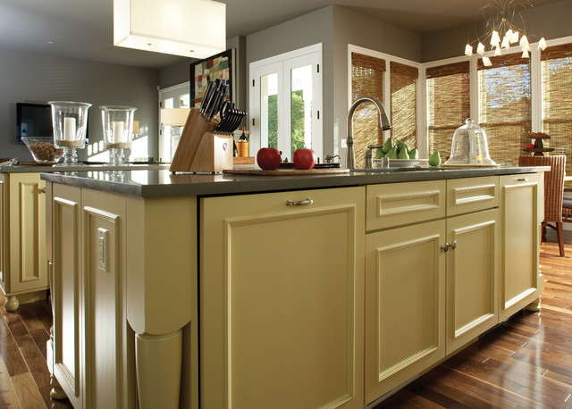 islands by wellborn cabinet inc other metro by
