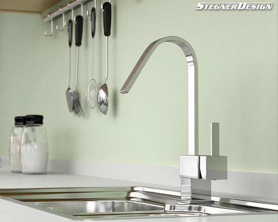 Single Handle Chrome Kitchen Faucet - Features: