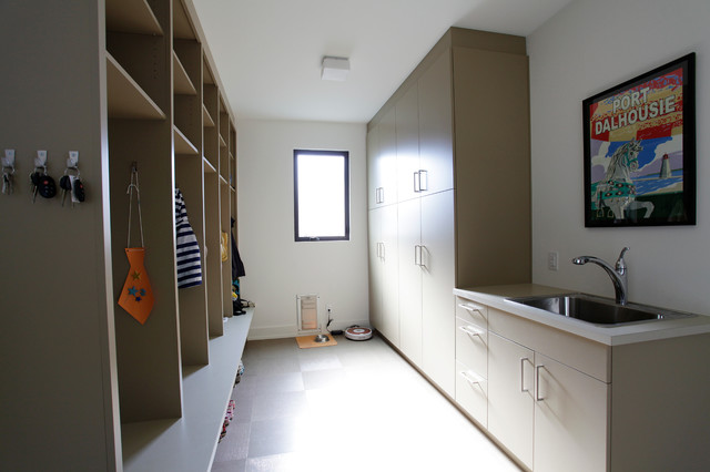 Laundry/Mud Rooms contemporary-laundry-room