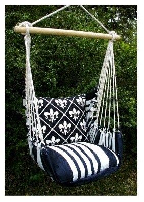 Sink into the comfort of this Magnolia Casual Hammock Chair and Pillow Set. The modern hammocks