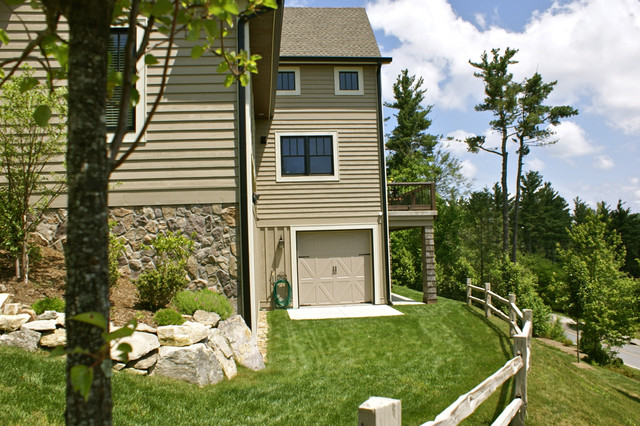 Blowing Rock, Village of Chestnut Ridge traditional-exterior