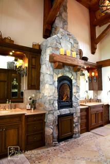 ranch mountain master bath - farmhouse - bathroom - santa