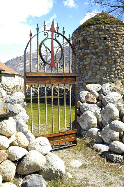 da Vinci Details Iron Works rustic-home-fencing-and-gates