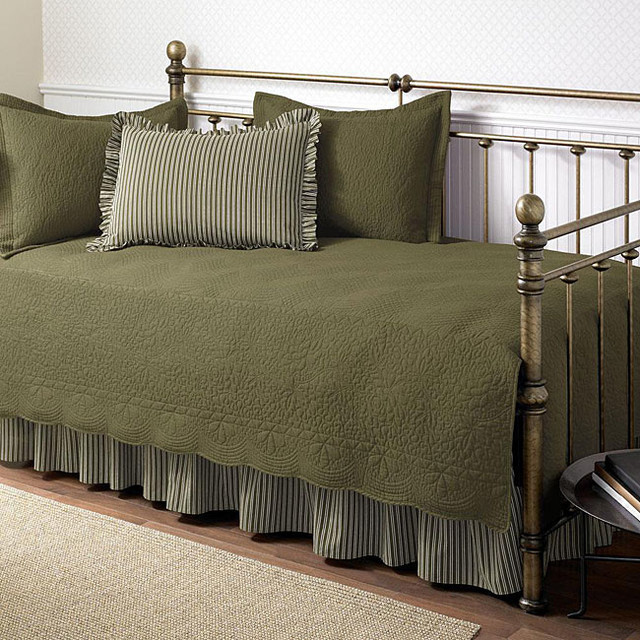 Trellis Aloe 5-piece Cotton Daybed Set with Intricate Stitching Detail contemporary-indoor-chaise-lounge-chairs