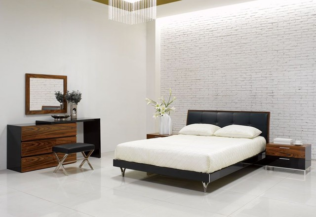 Elegant Leather High End Bedroom Sets Modern