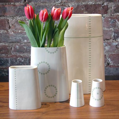 Anne Black Porcelain Hay Vase modern-vases