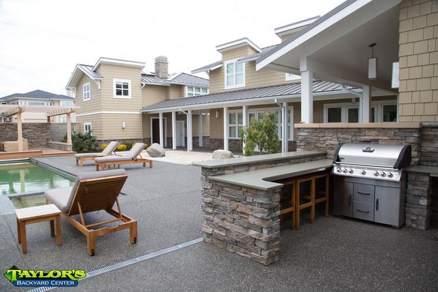Modern Backyard contemporary