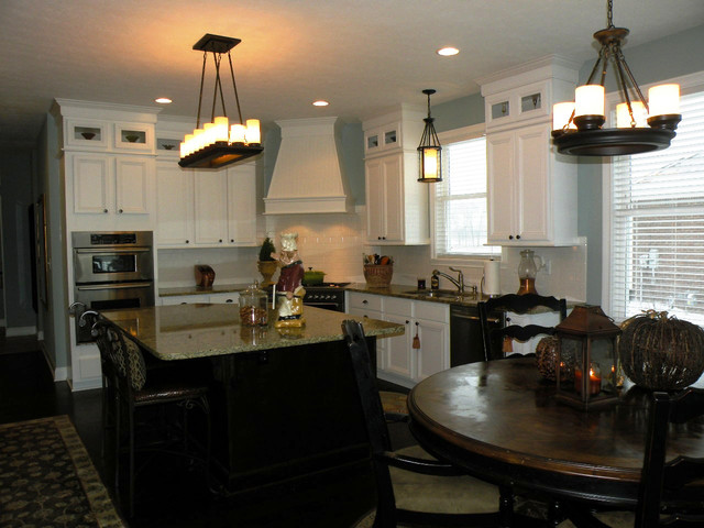 Nantucket traditional-kitchen