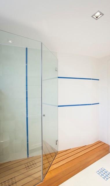 Görgülü_Evi_Akatlar modern-bathroom