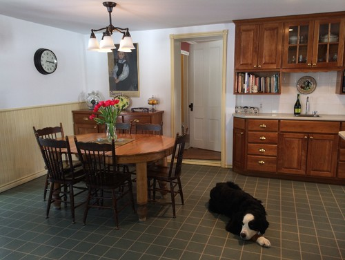 Help my farmhouse kitchen is stuck in the 39 90s for Home decor 90s