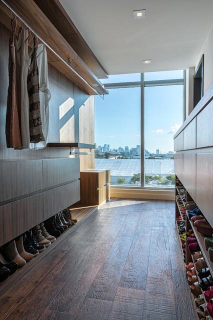 4MidTown - PH7 contemporary-closet
