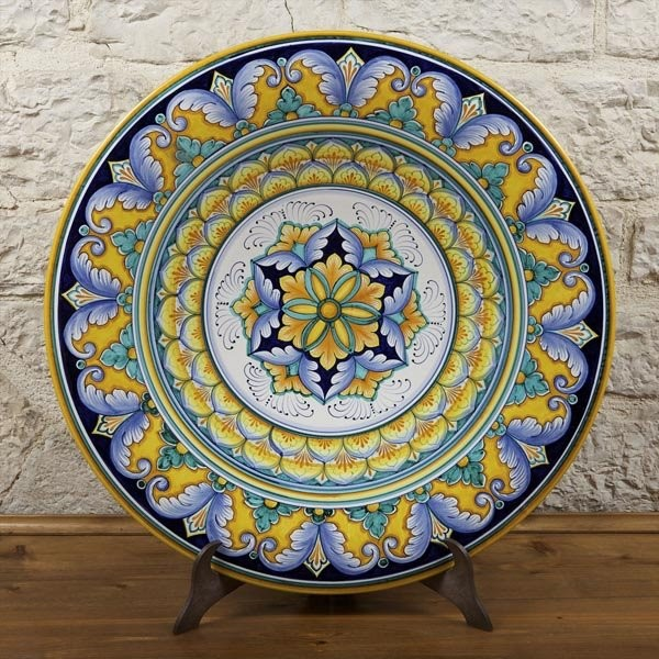 Vases decorative plates wall decor for Decorative wall dishes