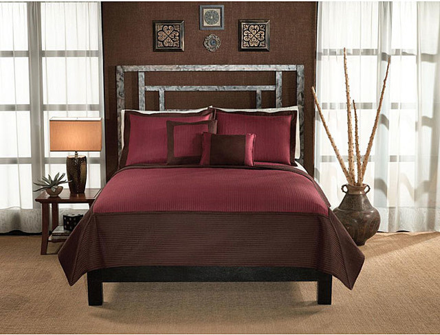 Barclay Hotel Chocolate and Brick 3-piece Quilt Set contemporary-quilts-and-quilt-sets