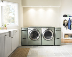 Whirlpool Duet Steam Washer  laundry room appliances