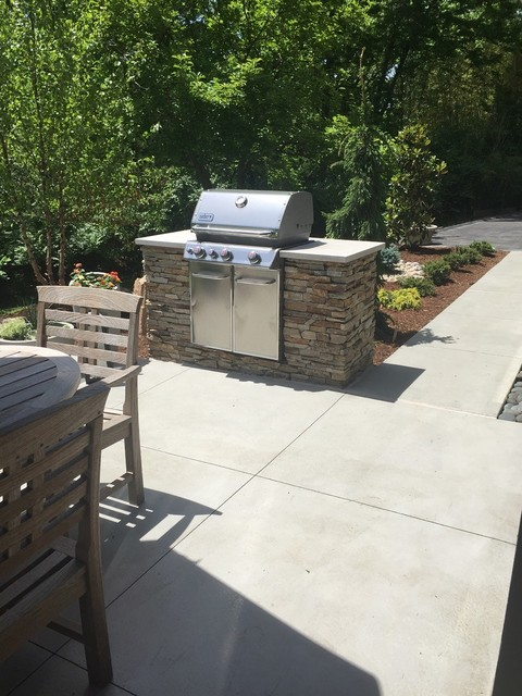 Kirkwood mo residence outdoor ding stone bbq pit for Outdoor living kirkwood